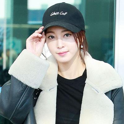 캐쥬얼한 공항패션도 완벽소화하는 배우 한예슬!
