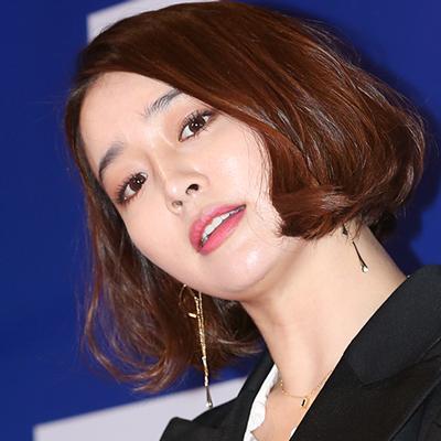 이민정, 남편 이병헌  '그것만이 내 세상' 지원사격!