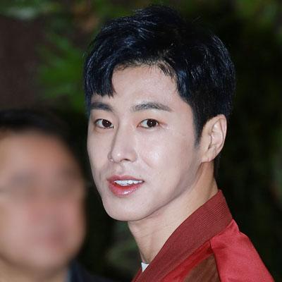 '압도적인 비주얼 형제! 유노윤호-최강창민'