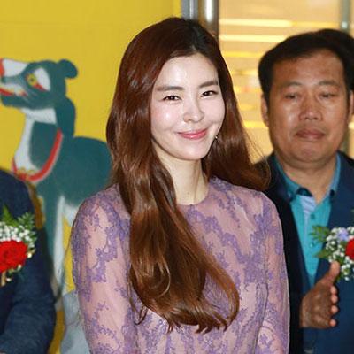 김규리, 만화아트페어 개막식 참석