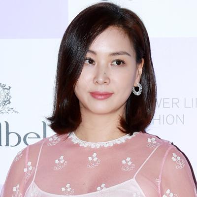 배우 고소영, 끌레드벨 썸머 신제품 '슈퍼 빅 쿠션' 출시 기념 포토콜 행사 참석!
