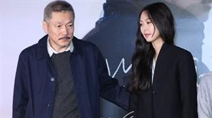 [SE★이슈] 홍상수-아내 A씨, 이혼 소송 첫 기일에 '불출석'..여론 의식했나