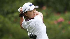 고진영 '일 냈다', LPGA 데뷔전서 우승...67년 만의 대기록