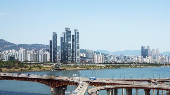 서울 강남구 아파트값 7개월 만에 하락