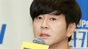 """[현장] '이타카로 가는 길' 윤도현 """"워너원·방탄소년단 곡 재해석..나는 '아미'"""""""