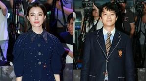 한효주·강동원, 열애설·노이즈 마케팅 논란에도 밝은 표정으로 등장