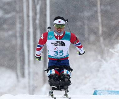 신의현, '크로스컨트리'서 한국 동계패럴림픽 사상 첫 금메달 '뜨거운 눈물'