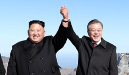 [평양 남북정상회담] 특별방문단 백두산行에 웃은 K2