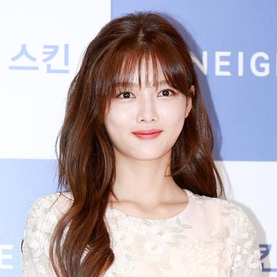 배우 김유정, '건강한 모습으로 이대 나들이~'