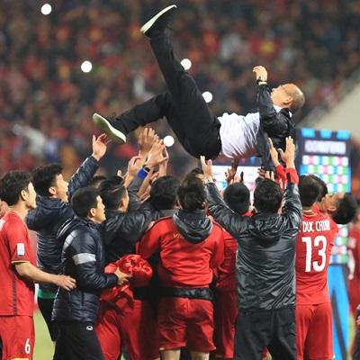 이어지는 박항서 매직…베트남 축구대표팀 스즈키컵 우승