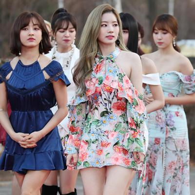 TWICE-더보이즈-레드벨벳, 제8회 가온차트 뮤직어워즈
