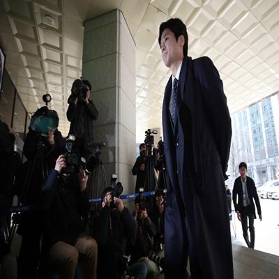 '버닝썬 폭행 신고자' 김상교 경찰 출석