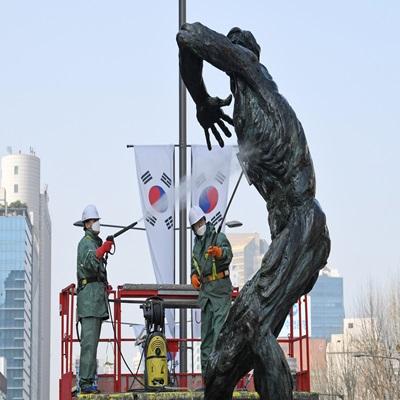 봄맞이 올림픽 조형물 세척