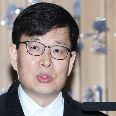 여성단체 '고소남발 영화감독 김기덕 규탄 기자회견'