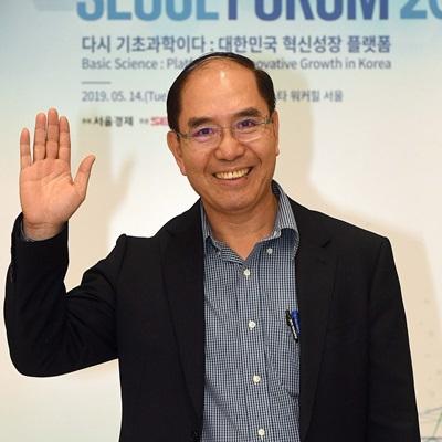 13일 '2019 서울포럼'을 맞아 응우옌 바 끄엉 베트남투자청 부청장을 비롯한 세계 석학들이 입국하고 있다.