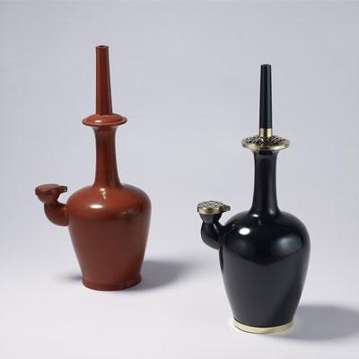 한국의 공예품들이 은은한 매력을 뿜어내고 있다.