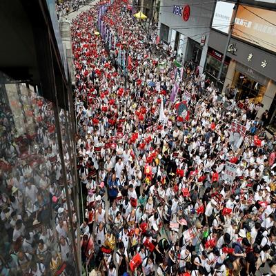 9일(현지 시간) 홍콩 시민들이 정부가 추진 중인 '범죄인 인도 법안'에 반대하는 대규모 시위를 벌이고 있다. /로이터=연합뉴스