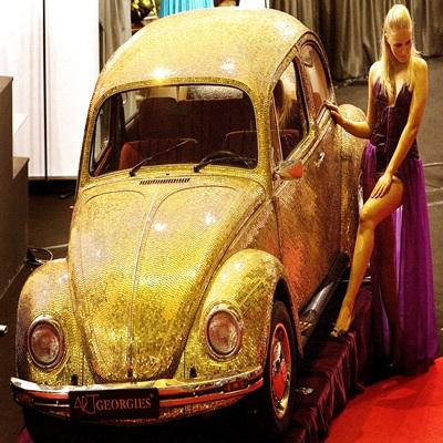 일명 '딱정벌레차'로 국내에도 잘 알려진 독일 폴크스바겐의 소형차 비틀(Beetle)이 올해 7월 단종된다./AP=연합뉴스