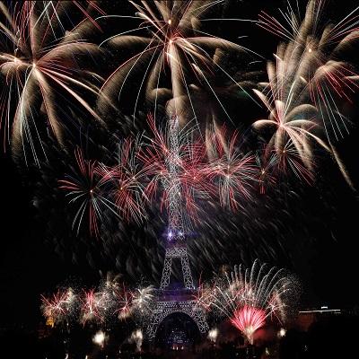 프랑스 대혁명 기념일을 맞아 14일(현지시간) 파리에서 대규모 행사가 열렸다.