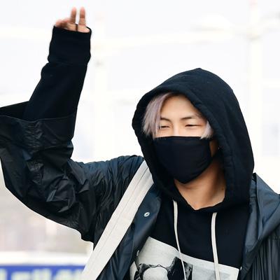 출국하는 방탄소년단(BTS) RM-슈가-진-제이홉-지민-뷔-정국