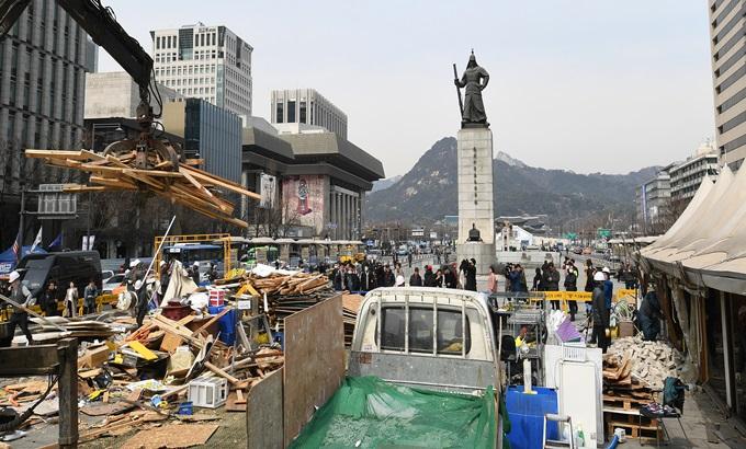 세월호 천막 철거..'기억공간'으로 재탄생