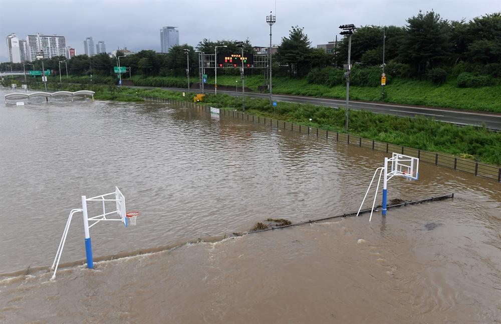 빗물이 삼켜버린 중부지방