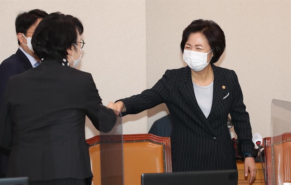 '추미애 아들' 의혹에…고성 오간 법무부 국감