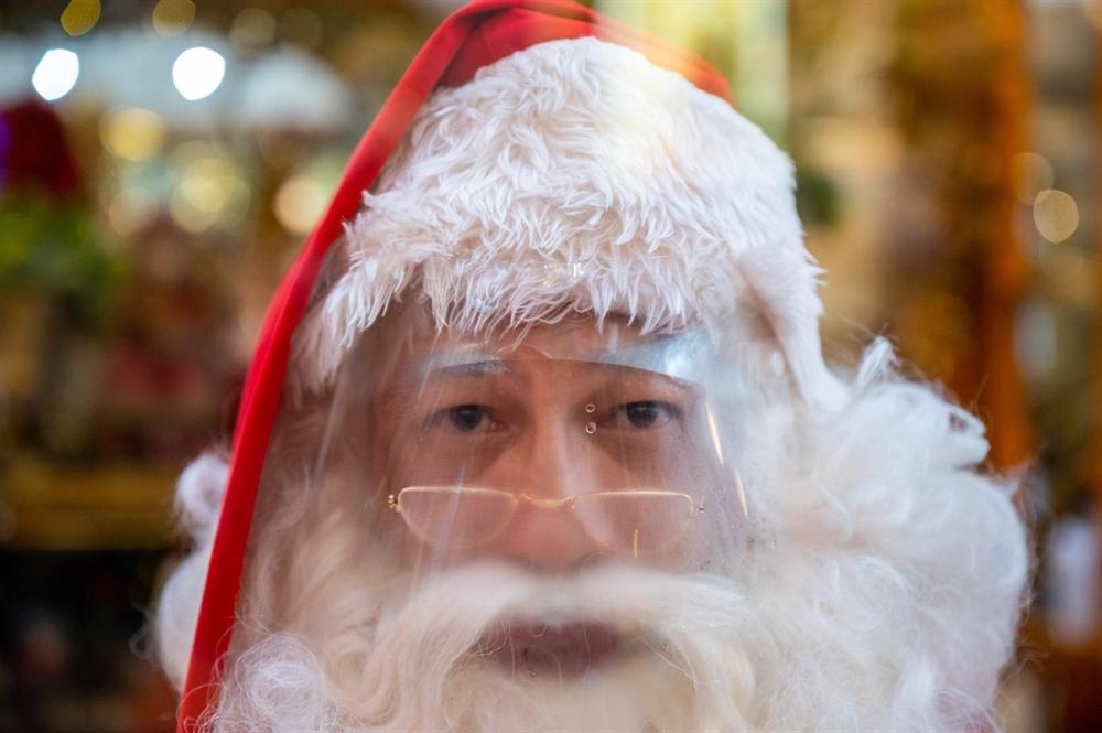 '메리 크리스마스크?' 지구촌 성탄절 표정