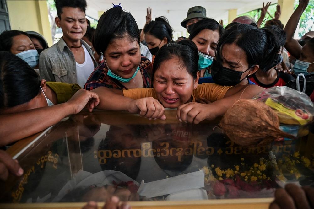 멈추지 않는 총성…미얀마가 아프다