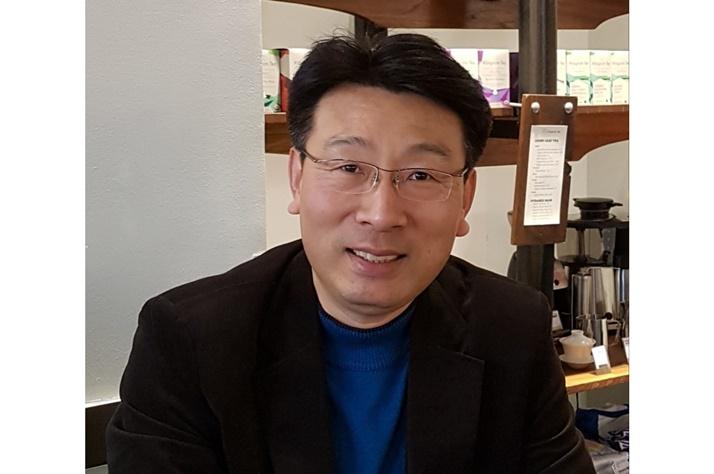 """[게임체인저가 뛴다]①김욱 교보생명 전무 """"블록체인 기술은 보험 비즈니스 혁신 앞당길 것"""""""
