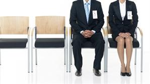 [단독] '돈 풀어 만든 일자리' 공공 고용 증가율, 민간 60배
