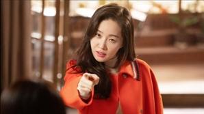 [SE★초점] '기묘한 가족'에 '봄이 오나 봄'까지, 엄지원의 전성기는 '지금'