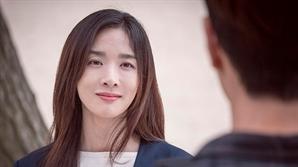 """[인터뷰] 이청아, 정준영 몰카 루머 """"절대 웃어 넘길 일 아냐"""""""