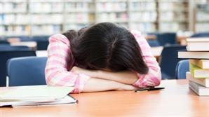[건강 팁-수면장애] 2주 넘으면 만성불면증 우려...수면제보다 병원찾아 검진을