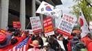 1만명 모여 붉게 물든 광화문…한국당 '文정부 OUT'