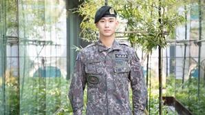 [공식] 김수현, 7월 1일 전역 초읽기..조기진급 모범적인 군 생활