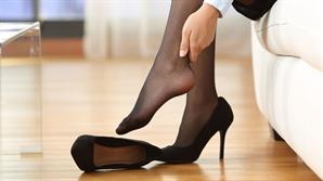 하이힐·키높이 신발만 신다간 '발병' 난다