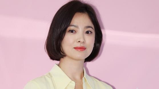 송혜교-서경덕, '미국 LA 안창호 패밀리 하우스'에 한·영 안내서 기증