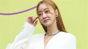 [공식입장] 서효림, 김수미 아들 정명호 씨와 12월 결혼+임신 발표
