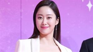 """[공식입장] 배우 전혜빈, 12월 7일 결혼 """"예비신랑은 훌륭한 인품 지닌 사람"""""""