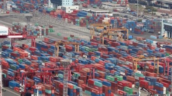 對中수출 비중 25% 달하는데...한국 올 2.4% 성장 '빨간불'