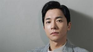 """[인터뷰] 김영민 """"'사랑의 불시착'은 행운처럼, '부부의 세계'는 운명처럼"""""""